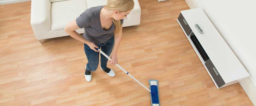 Wood floor cleaning tips with vinegar